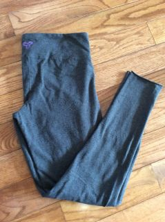 TNA Size Large Leggings Only worn 2x Washed Air dried.