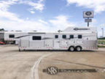 4 Horse Side Load 15 6 Outlaw Conversions Living Quarters Trailer4-Star