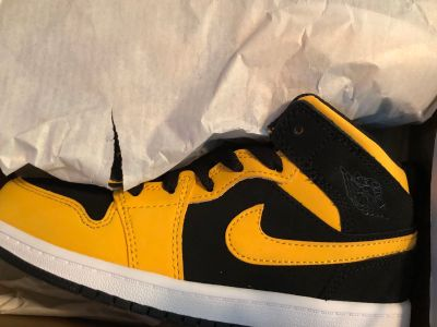 2Y Nike Air Jordan 1 Mid PS Retro Yellow black sneakers 2 YOUTH