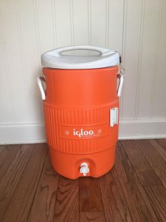 5 gallon Igloo drink container