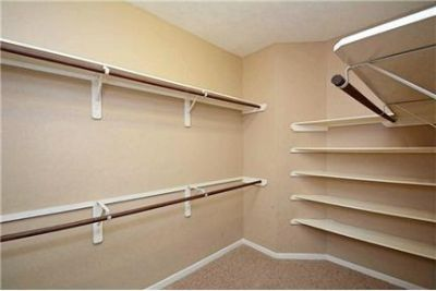 Missouri City - Have you thought about leasing a home with large bedrooms. Parking Available!