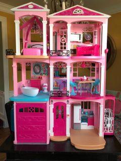 Hour Past NEW Barbie Dreamhouse