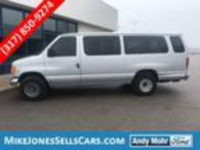 Used 2005 Ford E-350SD XLT in Plainfield, IN