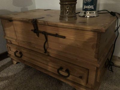 Trunk or coffee table