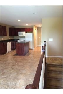 Beautiful 2 Bedroom 2 Bathroom Townhome Style Apartment withAttached Garage