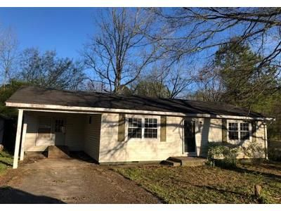 3 Bed 1 Bath Foreclosure Property in Summerville, GA 30747 - Knollwood Cir
