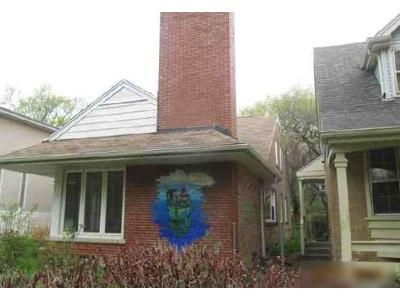 4 Bed 2 Bath Foreclosure Property in Chicago, IL 60646 - W Bryn Mawr Ave