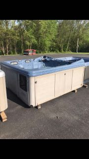 Used hot tub great low price on sale now $1,500