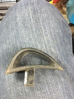 Seat release handle