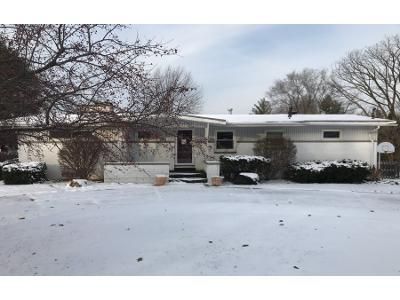 3 Bed 1 Bath Preforeclosure Property in East Peoria, IL 61611 - Mount Aire Dr