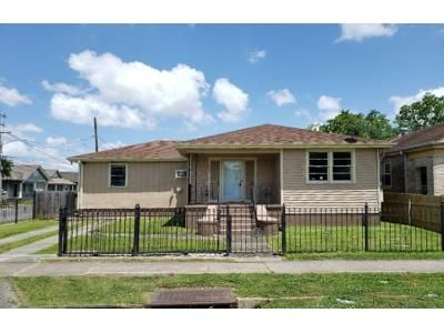 3 Bed 2 Bath Foreclosure Property in New Orleans, LA 70119 - Annette St