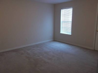 - $321 1BR Available in 3BR Apt.  (Cypress Lake Apartments)