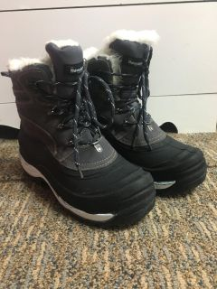 Women s thinsulate winter boots size 9