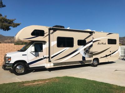 2018 Thor Motor Coach FOUR WINDS 30D