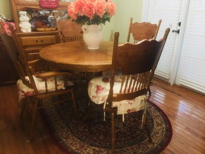 Table chairs barstools