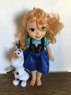 Disney Anna Doll and Olaf Plush! Anna s hair is a little messy other wise Great Condition! Take both for $3.50!