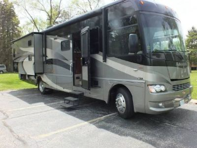 By Owner! 2009 Winnebago Adventurer 35Z w/3 slides