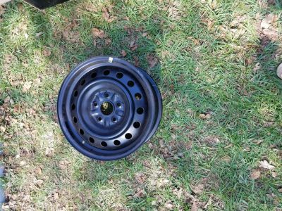 """New Camry 16"""" Rims with hubcaps"""