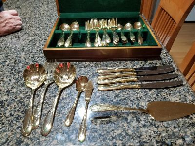 Silverware 16 Piece Gold Toned