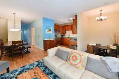 880 Lyon Street SONOMA Three BR, This bright and modern townhouse