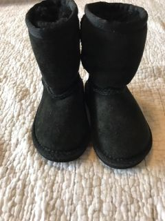 UGG toddler girls size 6 black boots, ppu only