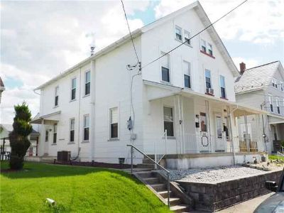 418 East 11Th Street Northampton Four BR, Showings begin on