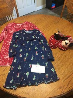 Size 8 nightgowns, size 11/12 slippers