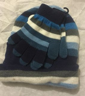 New kids gloves and hat