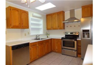 2-BEDS 1-BATH UNIT in a PERFECT LOCATION