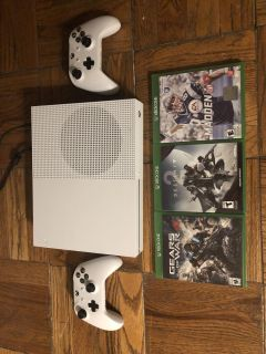1TB Xbox One S w/ 2 controllers & games