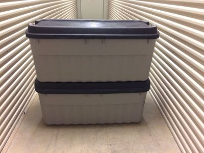 XL Rubbermaid Roughneck Storage Bin/Tote with Cover 54 Gallon