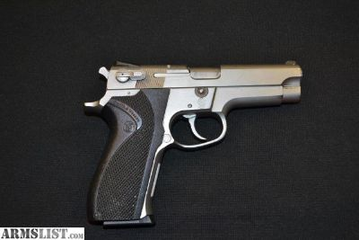 For Sale: Smith & Wesson 5906