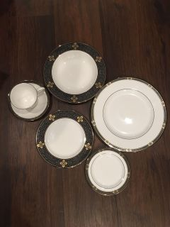 Lenox Vintage Jewel Fine China Set
