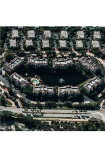 Bright North Palm Beach, 2 bedroom, 3 bath for rent. Washer/Dryer Hookups!