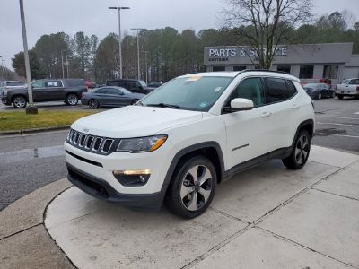 2018 Jeep Compass Latitude FWD (White Clear Coat)