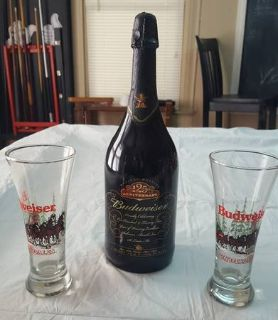 2001 Budweiser 125th Anniversary with 2 Holiday Glasses
