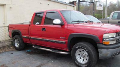 2000 Chevrolet Silverado 1500 LS (Red)
