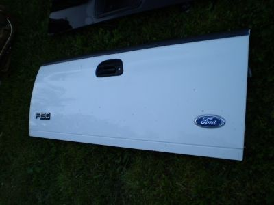 F150 97-03 FORD TAILGATE TRUCK OEM F250 F350 RARE 97 98 99 00 01 02 03 white
