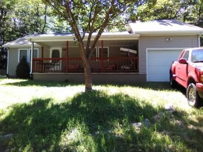 Single Family Home 2 bedroom, 1 bath
