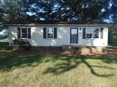 3 Bed 1 Bath Foreclosure Property in Dunn, NC 28334 - Hodges Ln