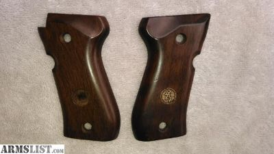For Sale: BROWNING 380 BDA GRIPS