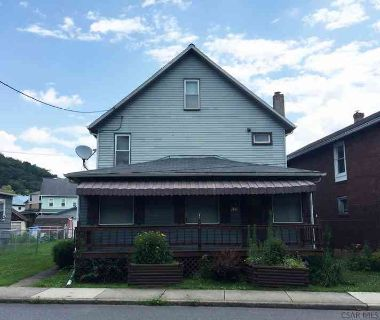 699 Von Lunen Rd Johnstown, Feel Right at Home in this 2
