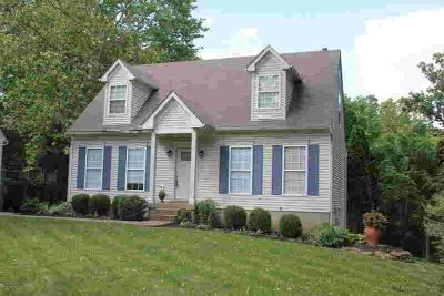 8621 Shenandoah Dr PEWEE VALLEY Three BR, Absolutely darling cape
