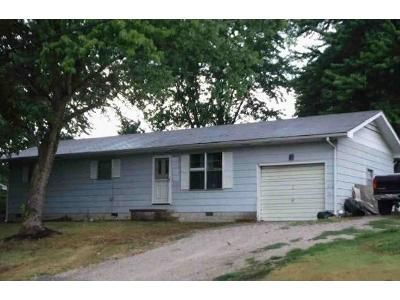 3 Bed 1 Bath Foreclosure Property in Lebanon, MO 65536 - New Buffalo Rd