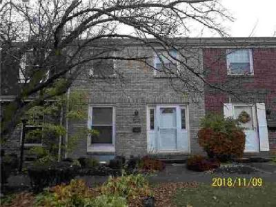 111 Freedom # Sidney Three BR, A real find in ! This townhouse is
