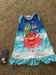 Girl s Pj Masks night gown size 6, in GUC with very, very light normal wear, still GUC, $2.00