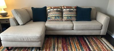 Chaise Lounge Sofa with 4 Pillows
