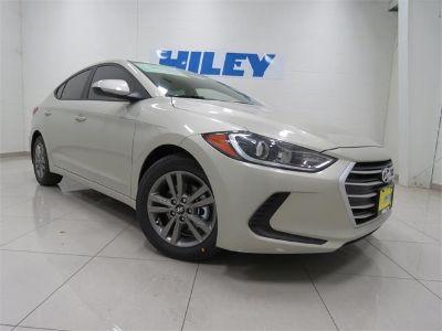 2018 Hyundai Elantra SEL (Mineral / Beige)