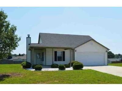 3 Bed 2 Bath Foreclosure Property in Town Creek, AL 35672 - County Road 148