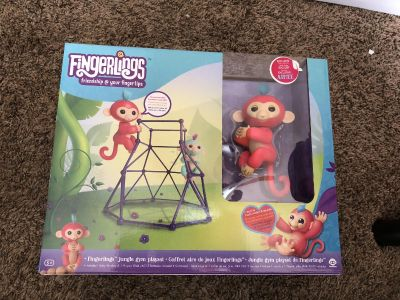 Fingerling jungle gym with exclusive monkey Aimee